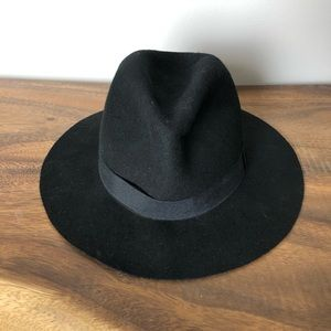 Le Chateau Felted Wool Hat Black Wide brim